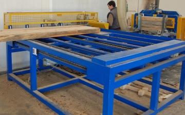 Todopalets. Comienzan los trabajos de construcción de una máquina canteadora y multiple vertical de doble eje.